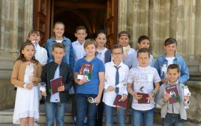 premières communions à Larajasse dimanche 14 mai 2017