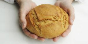 web3-loaf-bread-man-hands-marie-accomiatociriccpp