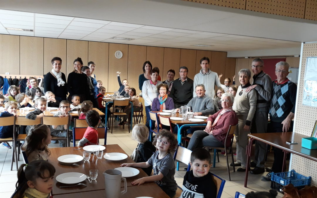 Célébration de Pâques de l'école et jeudi Saint à Aveize