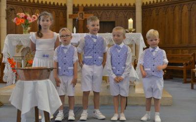 Baptême d'enfants en âge scolaire à Aveize