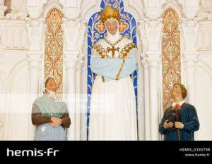 france-rhone-monts-lyonnais-coise-chapelle-peur-chapelle-salette-statues